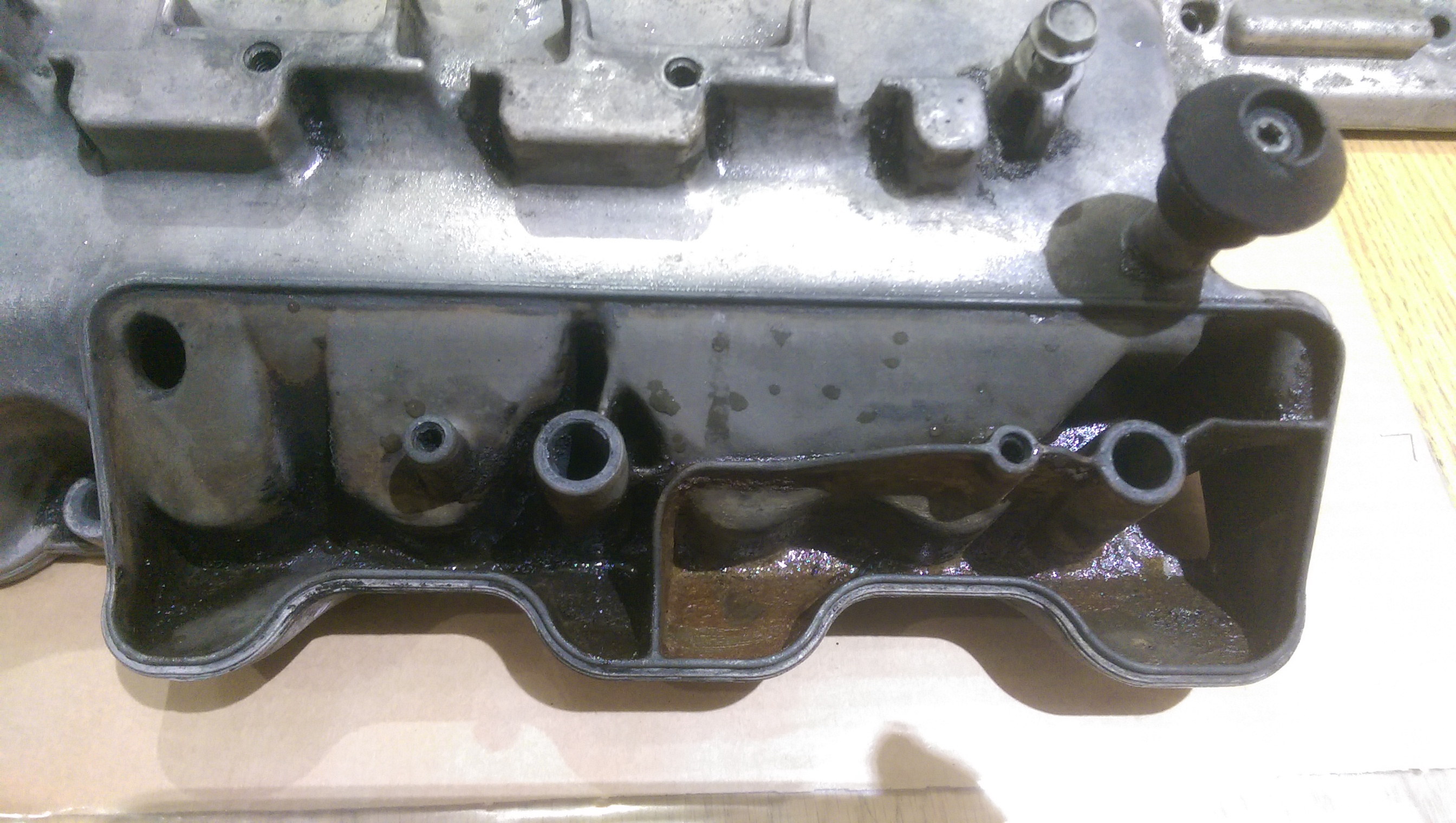 How to – Change Rocker Cover gaskets and reseal breather